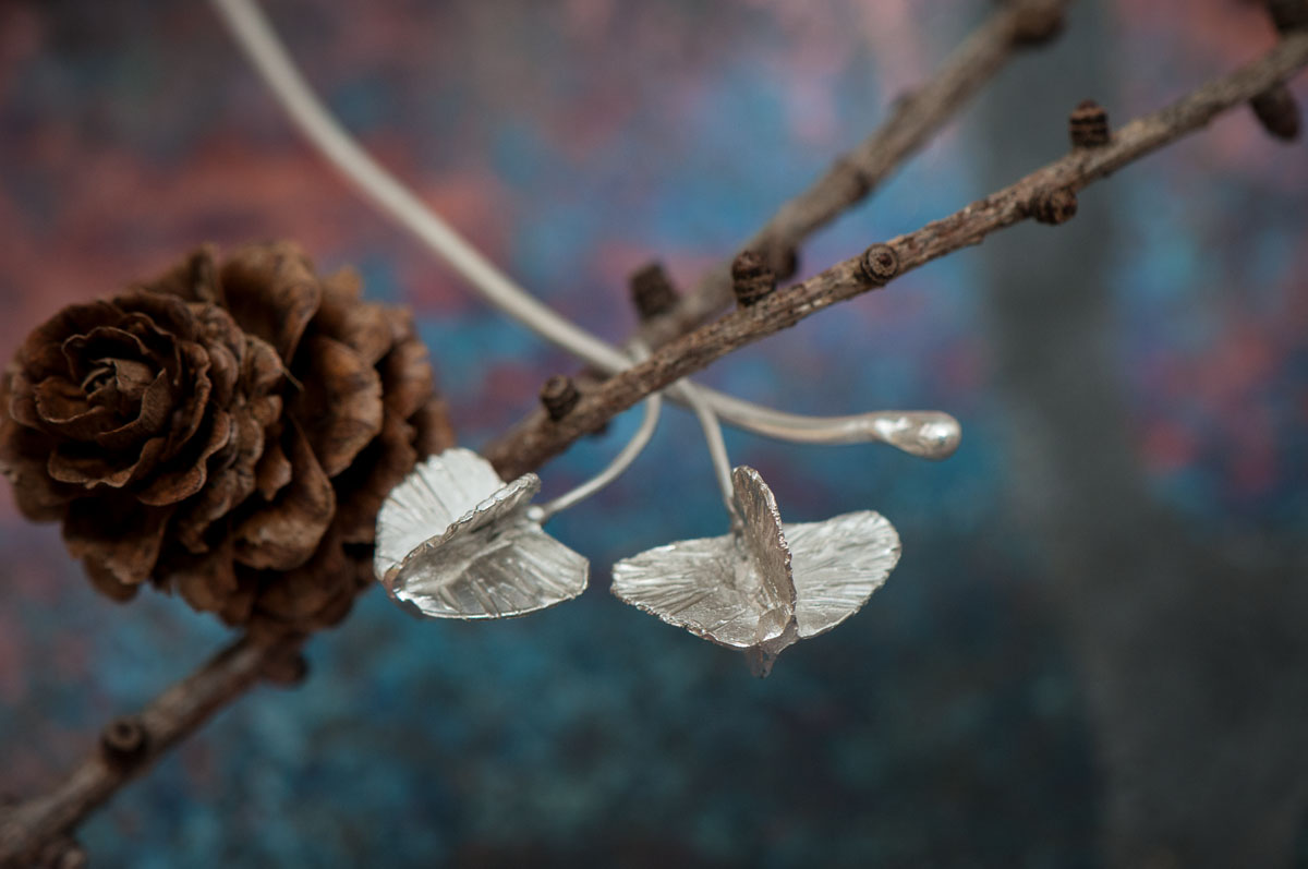 Detail of the seed pods, ready to take flight.